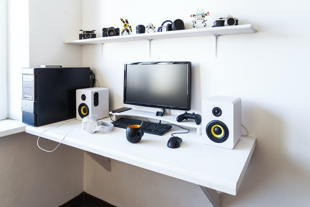how to make a gaming desk